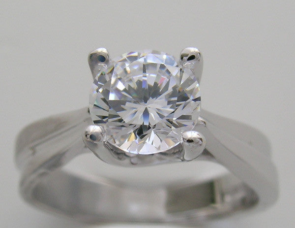 Classic Solitaire design Ring Setting for a 1.00 Carat or 6.50 mm round center diamond