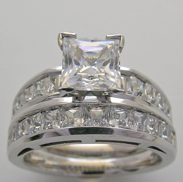 PRINCESS CUT DIAMOND ENGAGEMENT RING WEDDING SET SHOWN FOR A PRINCESS CUT DIAMOND