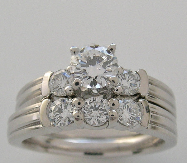 ENGAGEMENT RING AND WEDDING BAND SET