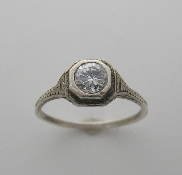 Unusual Vintage Old World Ring Setting