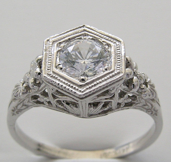 Art Deco design style ring setting to fit a 5.6mm diamond