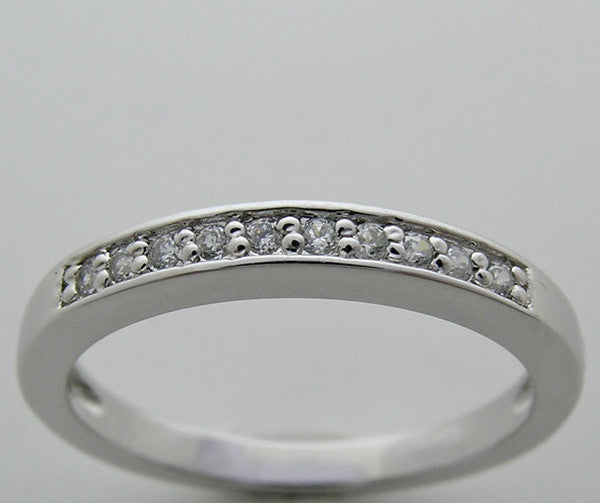 FEMININE DIAMOND WEDDING ANNIVERSARY BAND RING