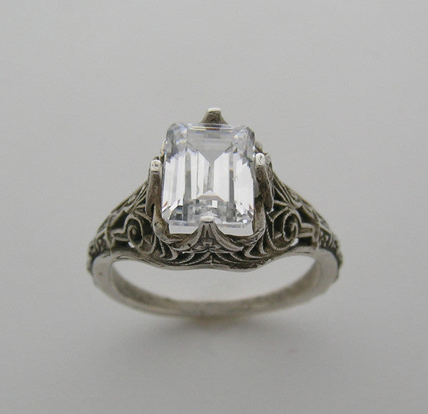 Antique Style Vintage Filigree Ring Setting for An Emerald Shape 8.00 x 6.00 mm Stone