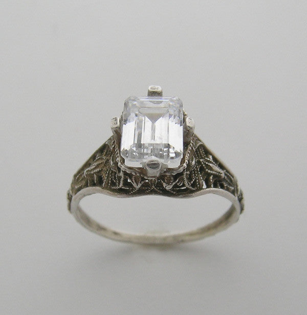 Antique Style Ring Setting for an Emerald Shape 8.00 x 6.00 mm