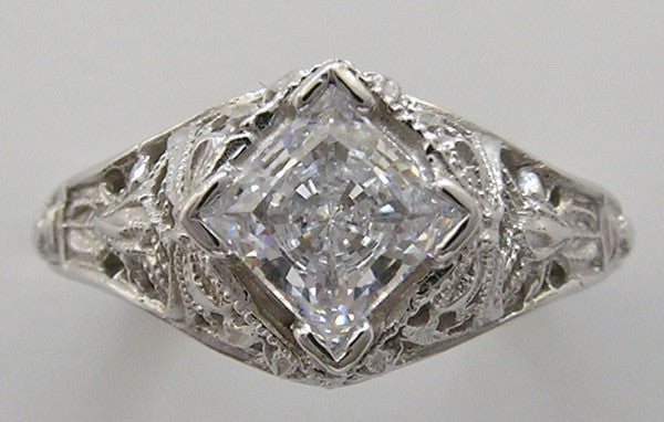 CHARMING ART DECO STYLE FILIGREE DIAMOND SETTING