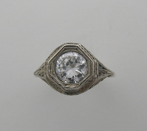 FEMININE OCTAGONAL ANTIQUE STYLE RING OR RING SETTING