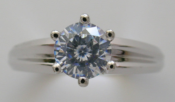 CLASSICAL AND TRADITIONAL ENGAGEMENT RING SETTING OR RIGHT HAND RING