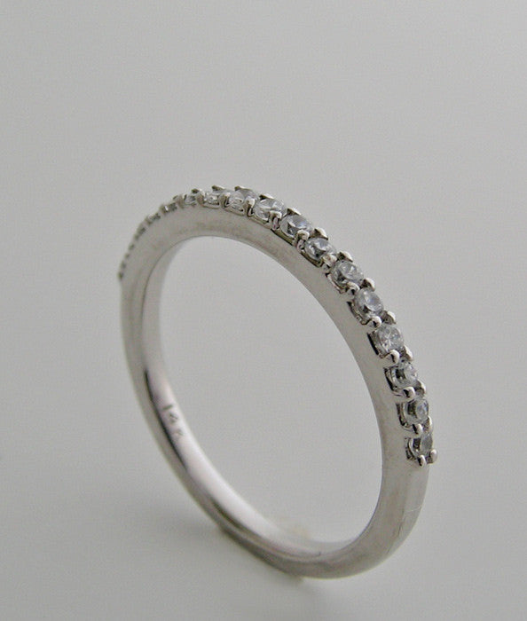 FEMININE ETERNITY ANNIVERSARY DIAMOND WEDDING BAND RING