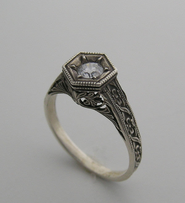 SPECIAL PETITE ART DECO VINTAGE STYLE ENGRAVED MOTIF RING OR RING SETTING