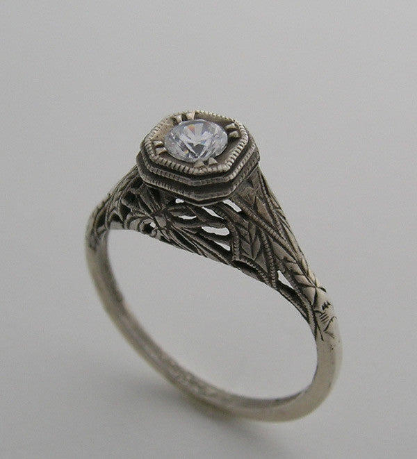 GOLD RING SETTING ANTIQUE STYLE FILIGREE DESIGN