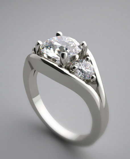 CHARMING ELEGANT THREE STONE  DIAMOND  ENGAGEMENT RING SETTING