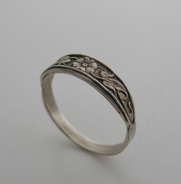 14K VINTAGE STYLE ENGRAVED WEDDING RING BAND FLORAL FEMININE