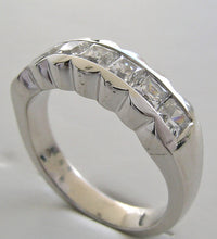 EXQUISITE PRINCESS CUT DIAMOND WEDDING BAND RING