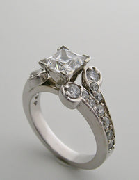 ENGAGEMENT RING SETTINGS WITH PRINCESS HEAD SETTINGS
