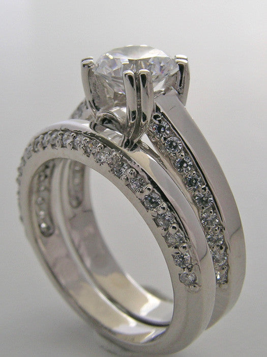 EXQUSITE ROUND DIAMOND BRIDAL RING SET