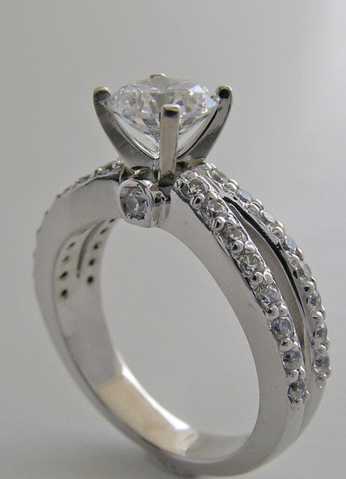 MODERN DIAMOND RING SETTING