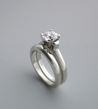 PRETTY SOLITAIRE ENGAGEMENT RING SETTING SET