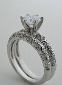 FEMININE DIAMOND DETAIL SOLITAIRE ENGAGEMENT RING SETTING SET