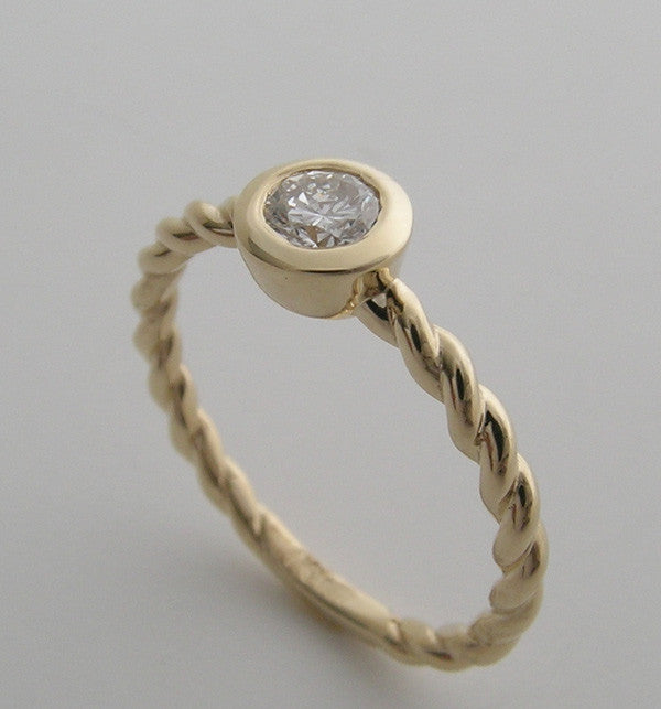 14K YELLOW GOLD FRIENDSHIP DIAMOND TWIST DESIGN RING