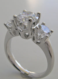 UNIQUE THREE STONE DIAMOND ENGAGEMENT ANNIVERSARY RING SETTING