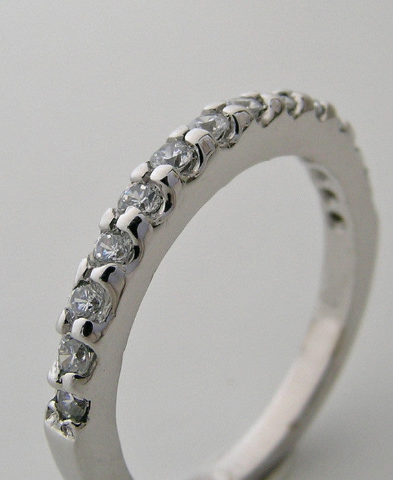 ELEGANT DIAMOND ETERNITY ANNIVERSARY WEDDING BAND RING