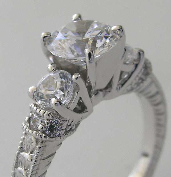 ELEGANT ENGAGEMENT RING SETTING WITH LOVELY DIAMOND DETAILS