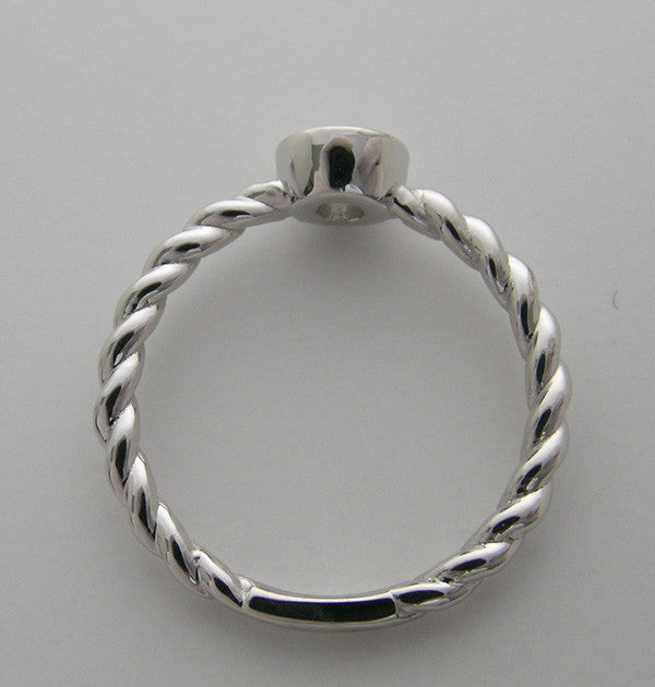 14K WHITE GOLD DIAMOND RING TWIST DESIGN TDW 0.25 CT.,