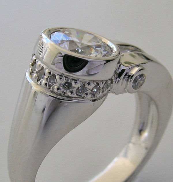 INTERESTING UNUSUAL CONTEMPORARY DIAMOND ACCENT RING SETTING