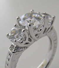 LOVELY DIAMOND ENGAGEMENT RING SETTING