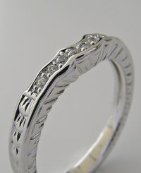 LOVELY DIAMOND WEDDING BAND RING