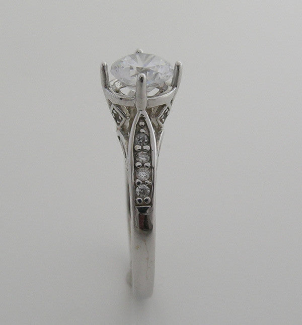 ANTIQUE STYLE ENGAGEMENT RING SETTING FEMININE DIAMOND DETAILS