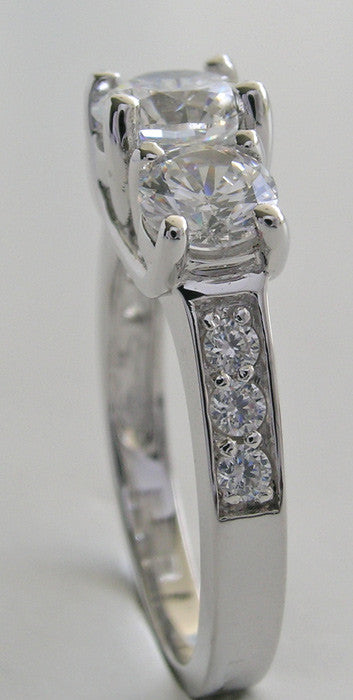 EXCITING THREE STONE DIAMOND RING MOUNTING