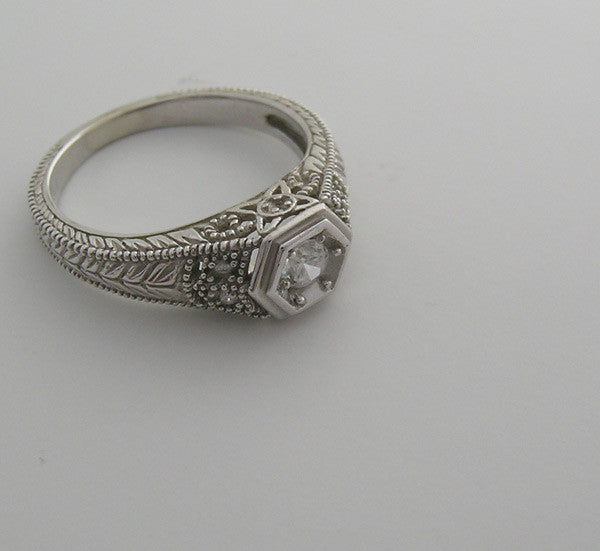GOLD ART DECO ANTIQUE STYLE DIAMOND RING