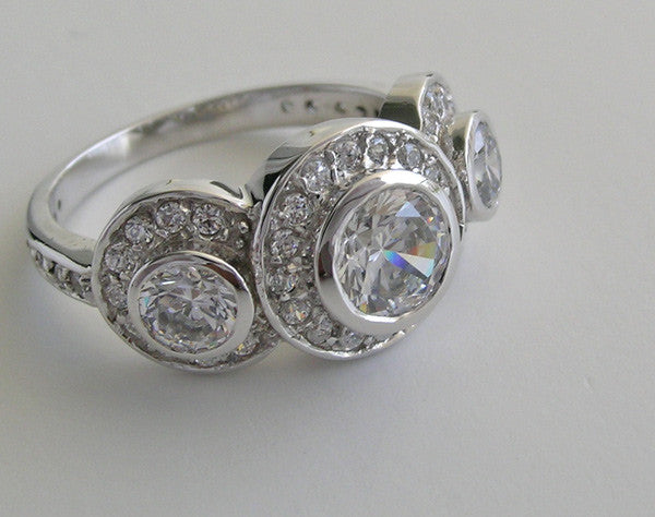 LARGE IMPORTANT AND UNUSUAL THREE STONE DIAMOND RING SETTING