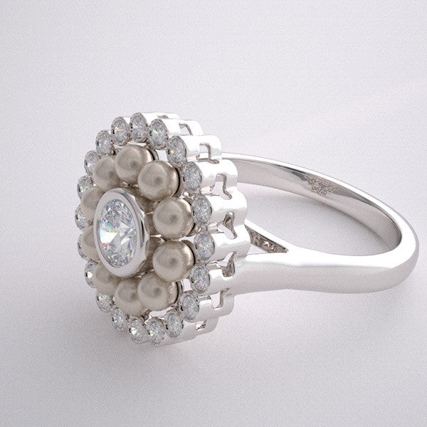 SPECIAL ENGAGEMENT RING WITH DIAMONDS AND CULTURED PEARLS