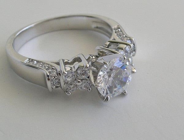 VERSATILE AND ELEGANT PAVE DIAMOND ENGAGEMENT RING MOUNTING