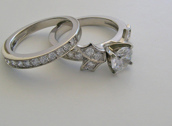 GOLD OR PLATINIUM FEMININE BOW MOTIF ENGAGEMENT RING SETTING SET