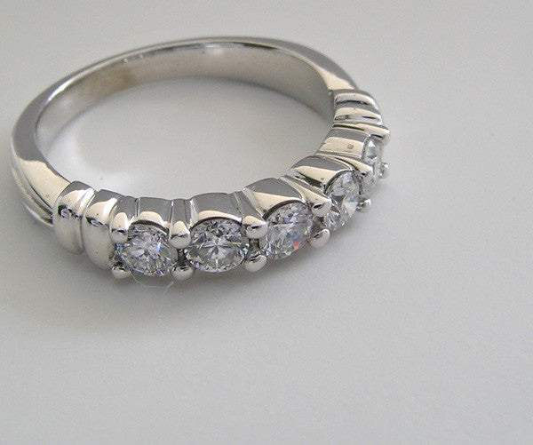 UNUSUAL DIAMOND WEDDING BAND RING