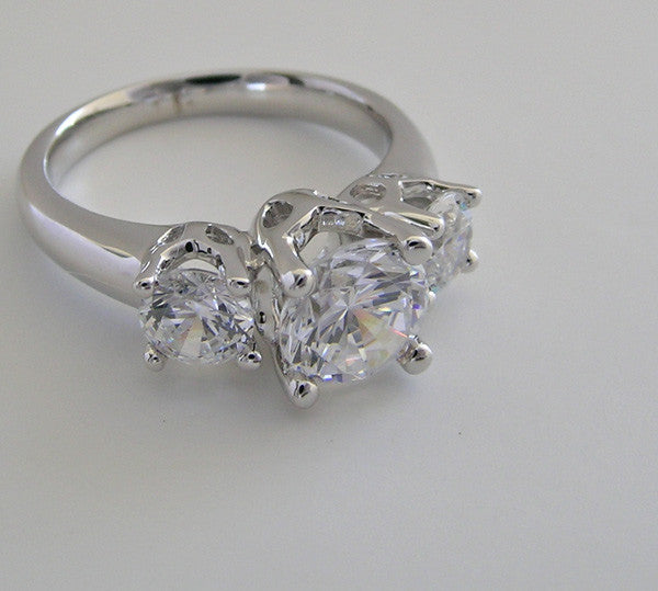 UNIQUE THREE STONE DIAMOND ENGAGEMENT RING MOUNTING OR REMOUNT RING SETTING