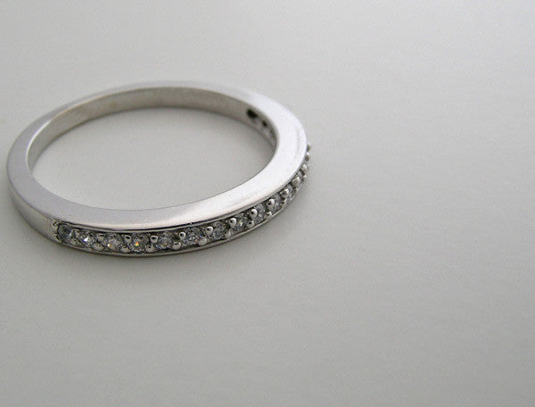 SPECIAL DIAMOND WEDDING RING TDW 0.20 CT