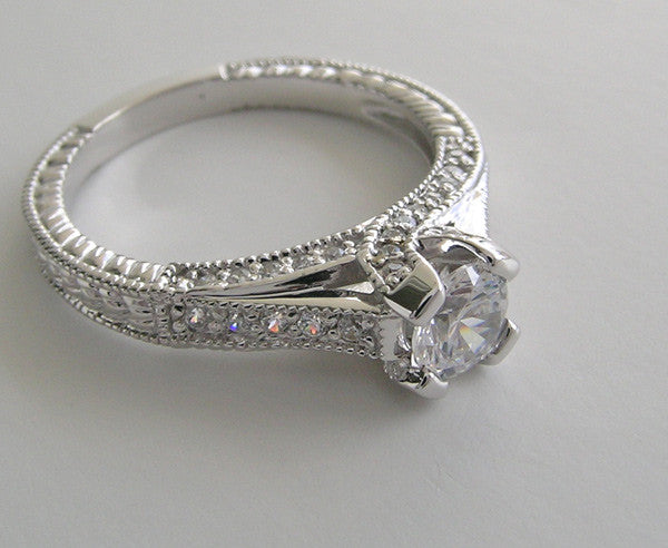 INTERESTING DIAMOND ENGAGEMENT RING SETTING