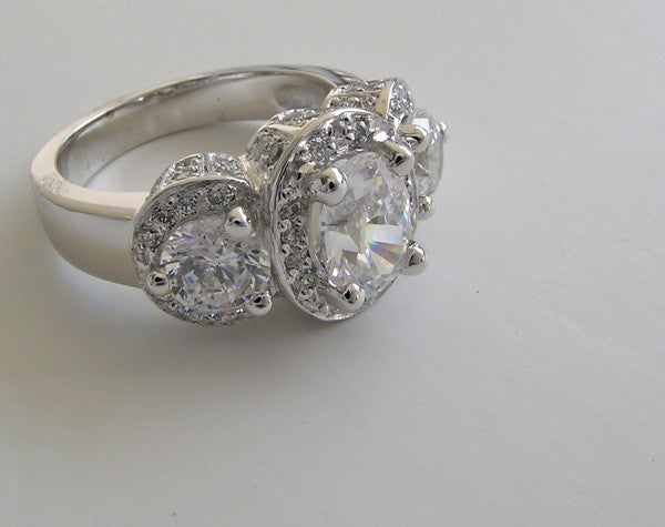 IMPORTANT GLAMOROUS THREE STONE RING SETTING