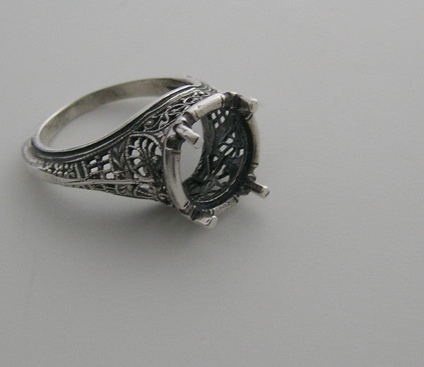 FILIGREE 14K  ANTIQUE STYLE ENCHANTING RING SETTING WITHOUT CENTER STONE