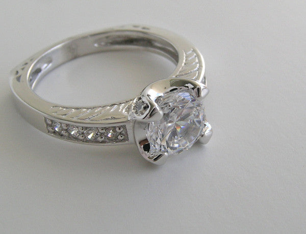 TRADITIONAL ENGRAVED ROUND DIAMOND ENGAGEMENT RING SETTING