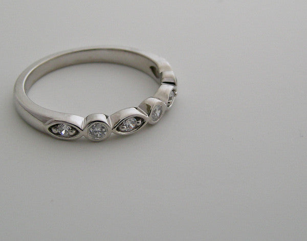 UNUSUAL MULTI DIAMOND  WEDDING BAND RING