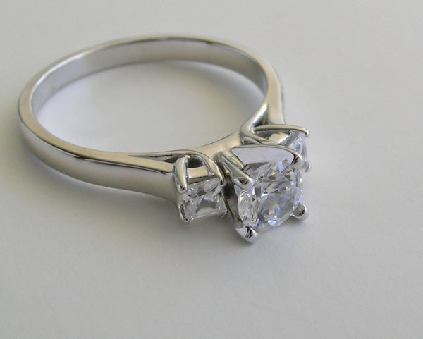 THREE STONE ROUND AND PRINCESS ENGAGEMENT RING SETTING
