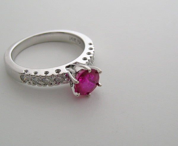 CLASSIC 14K WHITE GOLD RUBY AND DIAM0ND PRONG AND FISHTAIL DESIGN