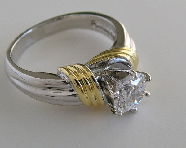 UNUSUAL TWO TONE WHITE AND YELLOW GOLD ENGAGEMENT RING SETTING