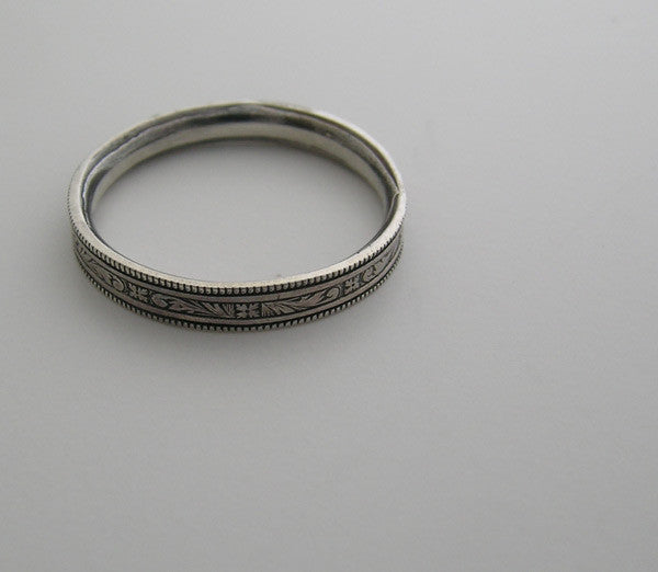 VINTAGE STYLE 14K GOLD WEDDING RING ENGRAVED DESIGN