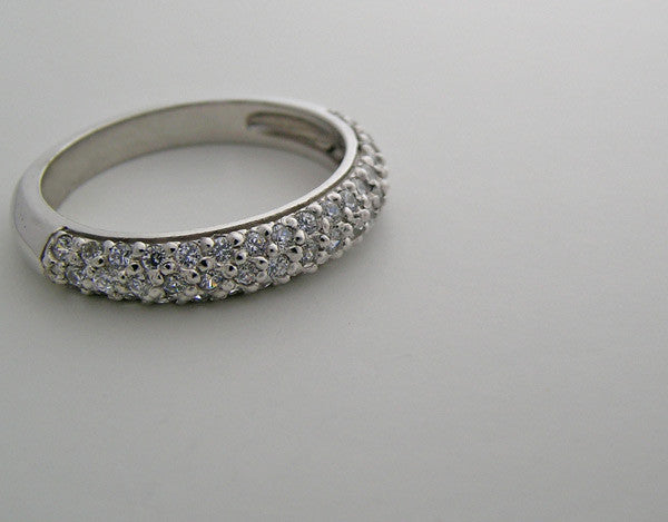 DIFFERENT DIAMOND PAVE WEDDING BAND RING